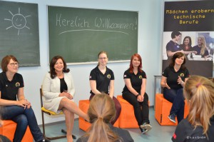 Girlsatec in Schule 30-04-2014